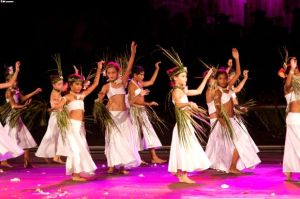 tahitian-dance---little-girls-resized-1278096056