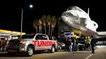 toyota-tundra-pulling-shuttle-full